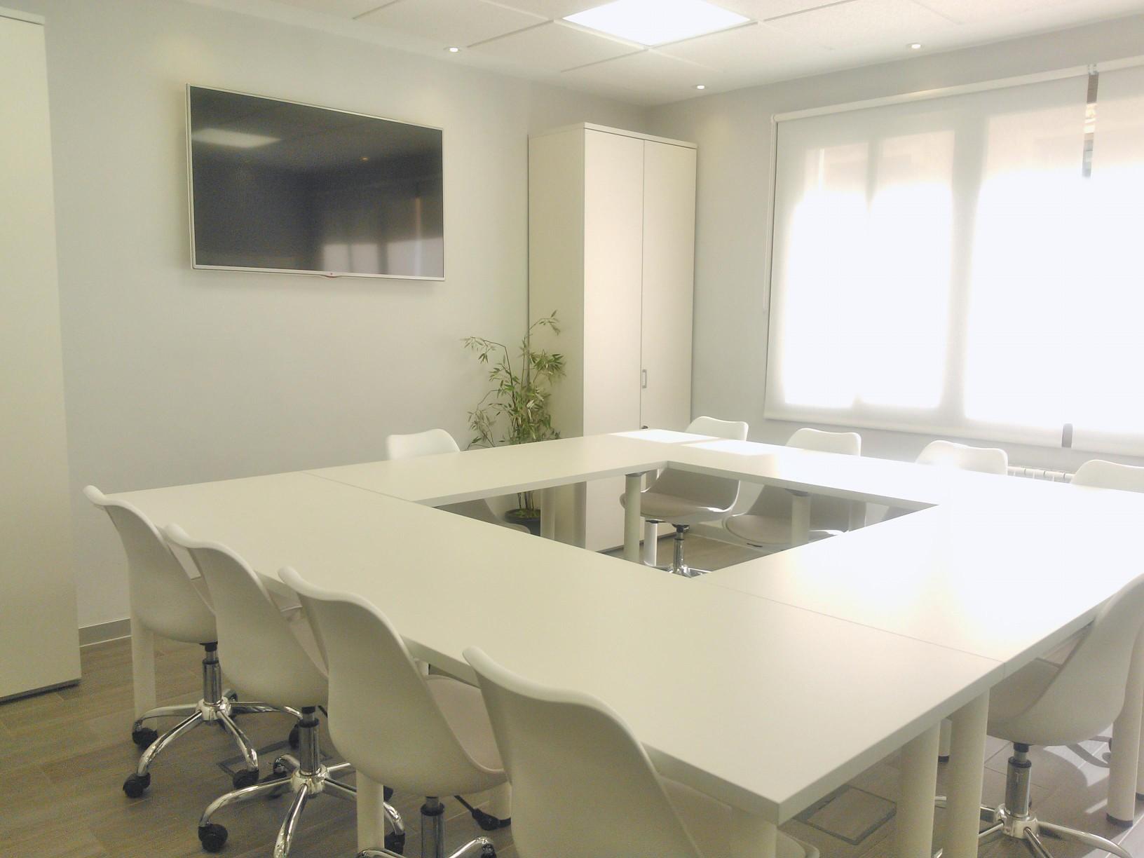 En TRIDIOM contamos con un espacio y un programa para hacer conferencias. Un servicio moderno de telefonía para reuniones, y negociaciones online